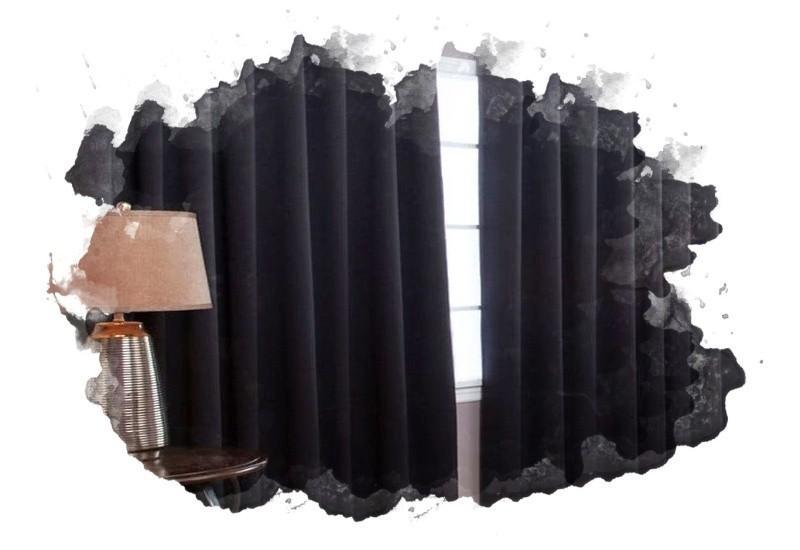 плотные шторы на окне