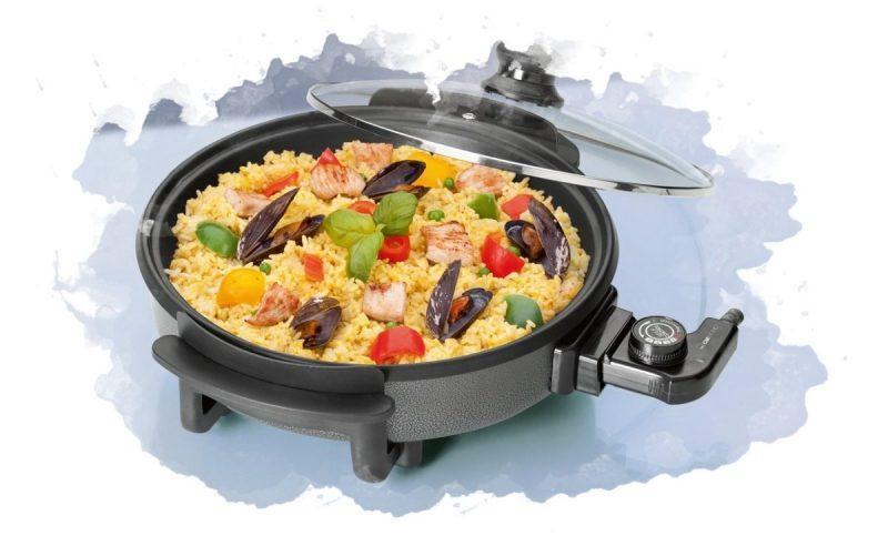 приготовление блюда в электросковороде