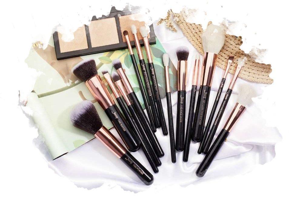 ТОП-7 лучших наборов кистей для макияжа: какой купить, плюсы и минусы, отзывы