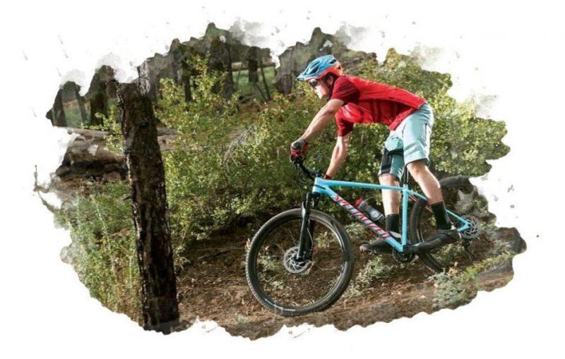 мужчина на горном велосипеде
