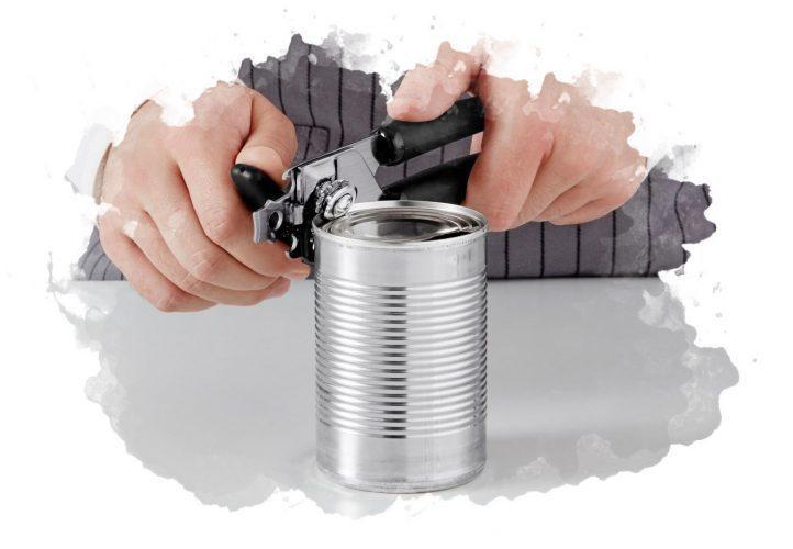 как открывать банку консервным ножом
