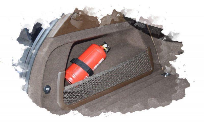 как хранят огнетушитель в авто