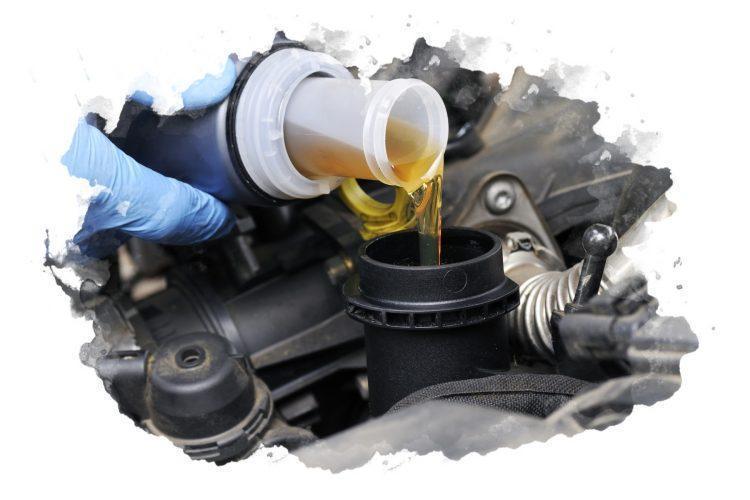 как заливать моторное масло